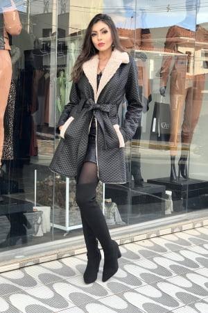 casaco dezzafio matelassê shine por fora ,e forrado com pelo sintético (carneirinho)super macio confortável, uma peça coringa que toda mulher precisa ter no seu closet
